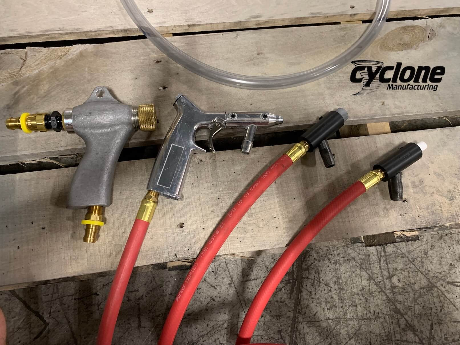 sandblasting-gun-comparison-cyclone