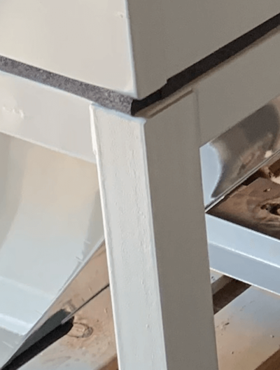 large-sandblasting-cabinet-leg-cyclone